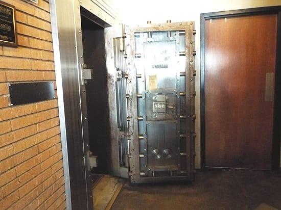 Gol Storage Vault